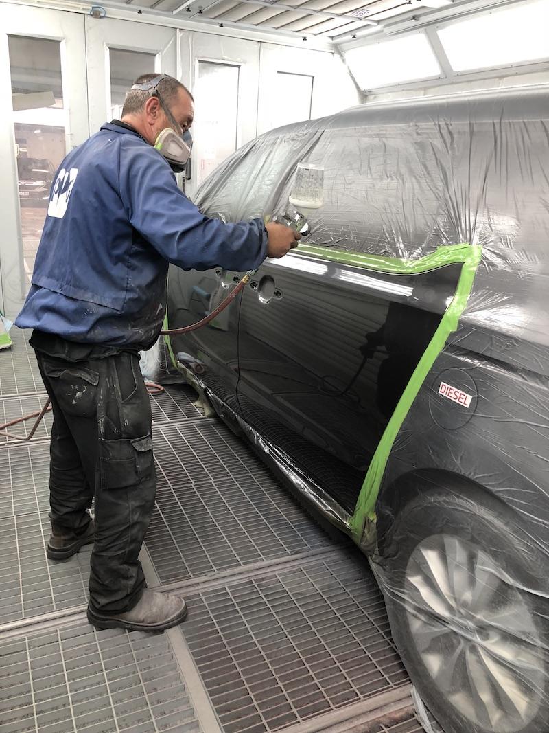 Vehicle Spray painting